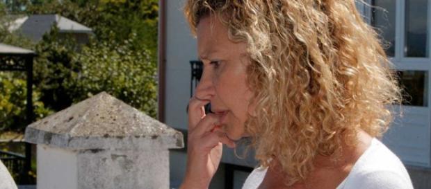 La Guardia Civil interroga a la madre de Diana Quer en su casa