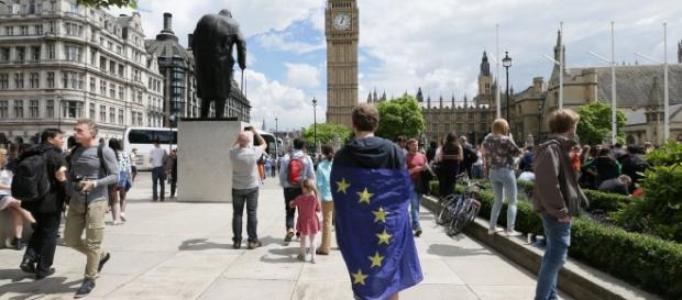 Statele grupului de la Vișegrad pregătite să își apere cetățenii aflați în UK