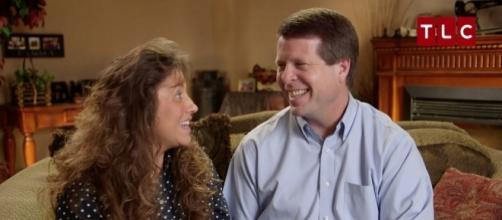 19 Kids' and Scandal: Duggar Family Spoofed by Comedians and ... - extratv.com