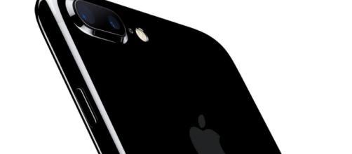 Apple iPhone 7: grandi file in tutto il mondo per celebrare il nuovo prodotto