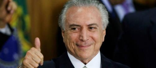 Presidente do Brasil repassa à Saúde, dinheiro economizado