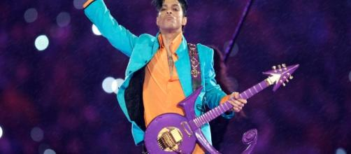 Prince to be remembered at official tribute gig in hometown of ... - thesun.co.uk