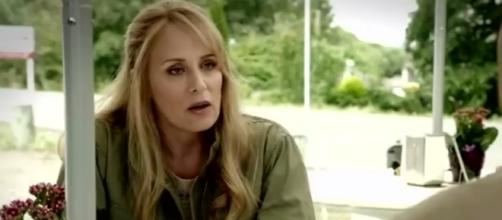 Samantha Smith as Mary Winchester in 'Supernatural' - Photo via TeamFreeWill.net/Photo Screencap via The CW/YouTube.com
