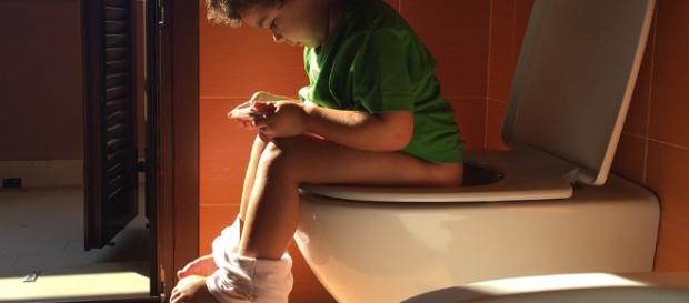 Genitori denunciati dalla figlia per aver pubblicato foto sui social network.