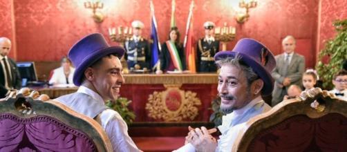 A Roma la Raggi celebra l'unione civile di Francisco e Luca - Il ... - webdigital.hu