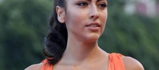 Giulia Salemi con l'abito dello scandalo.
