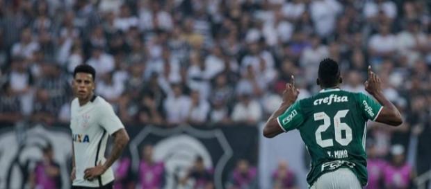 O colombiano Yerry Mina marcou o segundo gol que sacramentou a vitória do Palmeiras em plena Arena Corinthians