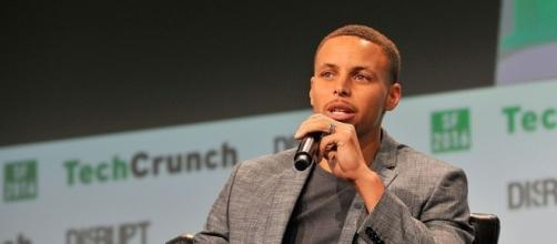 Curry supports protests, but will 'most likely stand' for national ... - yahoo.com