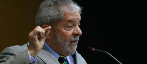 Lula discursa contra concurseiros