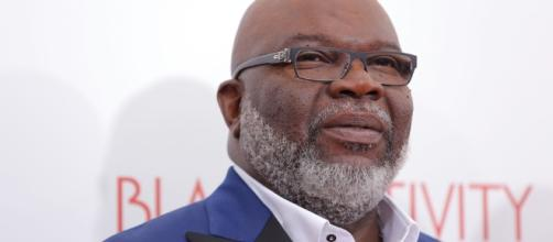 T.D. Jakes Enterting the Talk Show Arena with a Test Run in August ... - hellobeautiful.com
