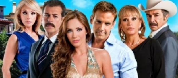 'Dos Hogares' é protagonizada pela ex-RBD Anahí