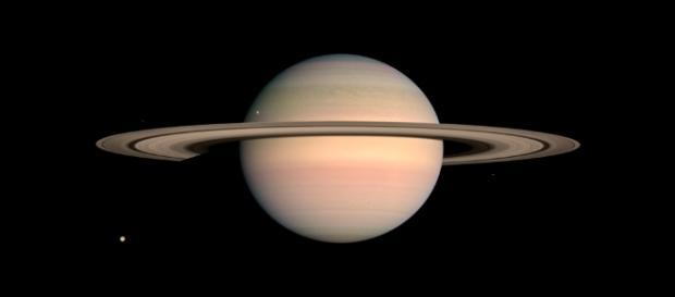 Saturno ha sido fotografíado en numerosas ocasiones por Cassini con gran detalle