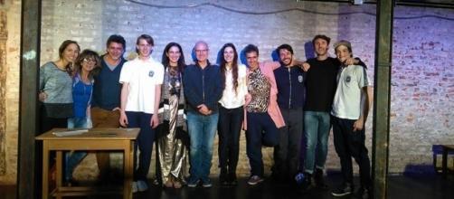 El equipo argentino junto al autor