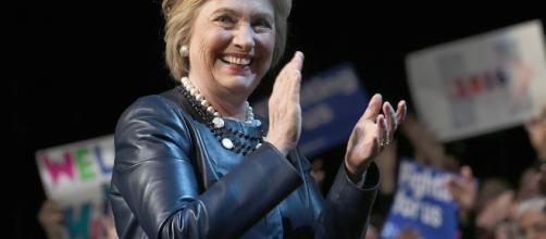 How Hillary Clinton Loses to Donald Trump - POLITICO Magazine - politico.com