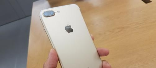 """iPhone 7 plus in colorazione """"gold"""""""