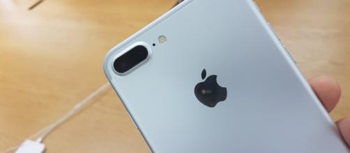 Parte posteriore del nuovo Iphone 7 plus