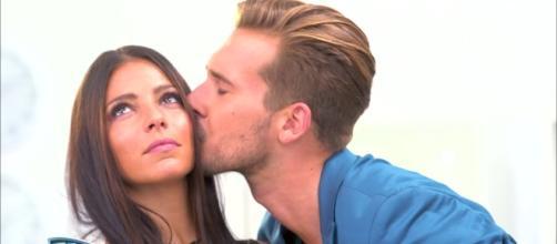 Sophia et Julien, avant de rentrer dans la Maison des Secrets