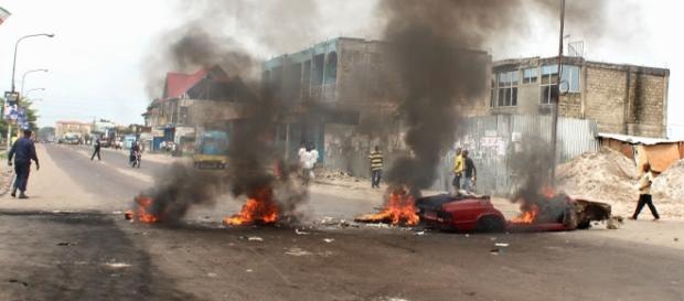 La rue est en feu à Kinshasa. Il faut éviter l'embrasement du pays.