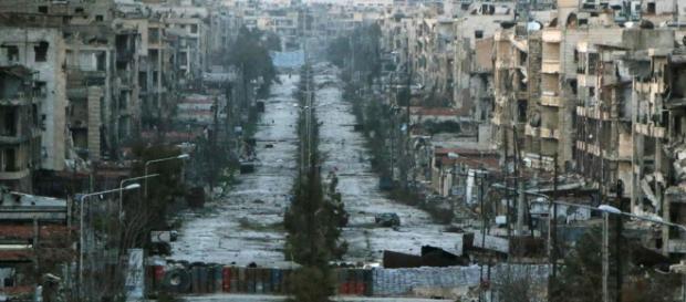 Le rovine della città di Aleppo, martoriata dai combattimenti - Foto LaPresse.