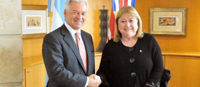 Macri le permite al Reino Unido explotar el petroleo de las Malvinas