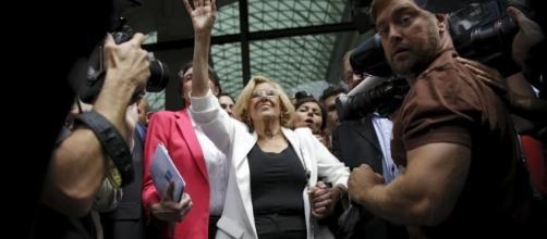 Carmena renuncia al banco público y pide cooperativas de madres ... - elconfidencial.com