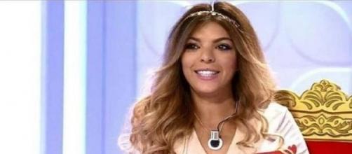 La tronista Ana 'Anginas', desnuda en Interviú para su portada más ... - ayquechulo.net