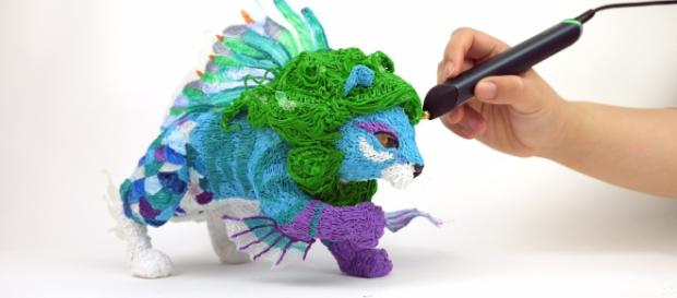 The 3Doodler is a 3D pen that has proven useful even to professional artists. / Photo via Aaron Wade, ChizComm. Used with permission.
