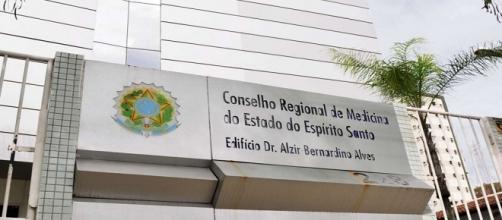 Falsa médica foi condenada por falsificar documentos para tirar carteira profissional .