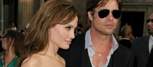 Angelina Jolie divorzia dal marito Brad Pitt