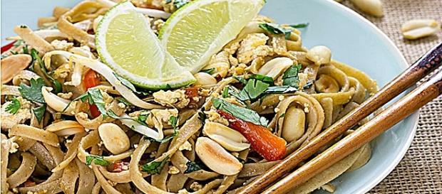 El Pad Thai es un plato tradicional de la cocina Tailandesa… Pinterest