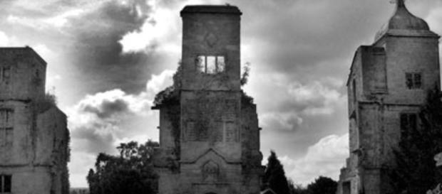 En Angleterre, un fantôme… est apparu à la fenêtre d'un château en ... - closermag.fr
