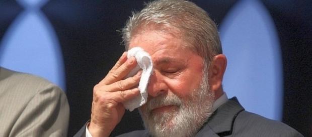 """Lula fica"""" triste"""" ao saber que Moro aceitou o pedido de acusação contra ele."""