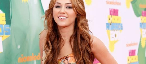 Miley Cyrus Facts | POPSUGAR Celebrity ...- popsugar.com