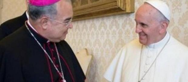 Tempesta e Papa Francisco - Foto/Google