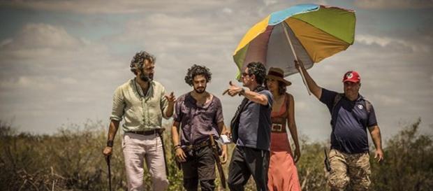 Veja como será o final da novela Velho Chico sem a presença de Santo, interpretado por Domingos Montagner.
