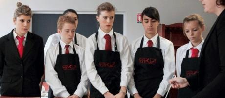 Si, dans les lycées professionnels, la filière hôtellerie-restauration offre des débouchés, d'autres conduisent au chômage