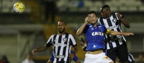 Na primeira partida, no Rio deu Cruzeiro: 5 x 2