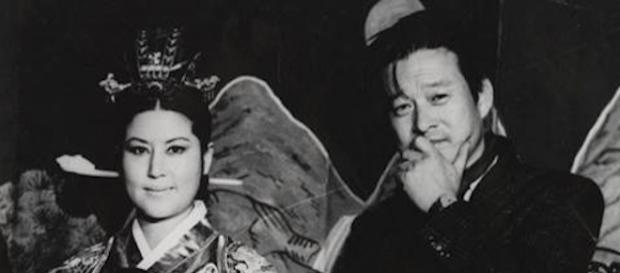 Choi Eun-hee and Shin Sang-ok in THE LOVERS AND THE DESPOT. (Photo courtesy of Magnolia Pictures)