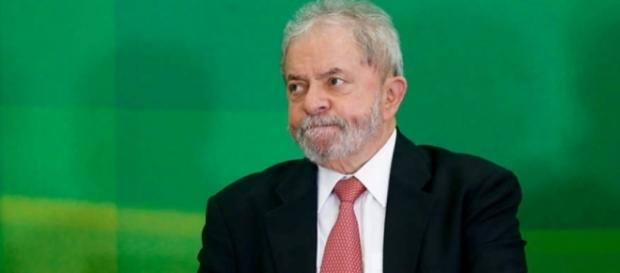 Conforme despacho, o acolhimento da denúncia contra Lula e demais acusados não representa juízo conclusivo quanto à responsabilidade criminal