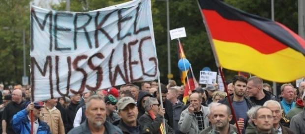 Demonstranten auf dem Einheitsfest in Dresden © Sean Gallup/Getty Images