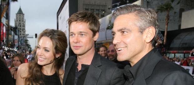 George Clooney surpreso e em choque com a notícia do divórcio de Brangelina.