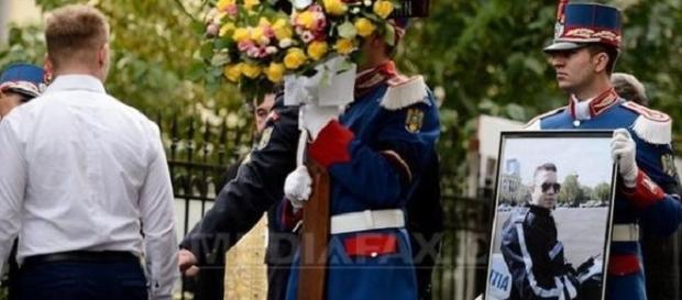 Înmormântarea poliţistului Bogdan Gigină - foto Mediafax