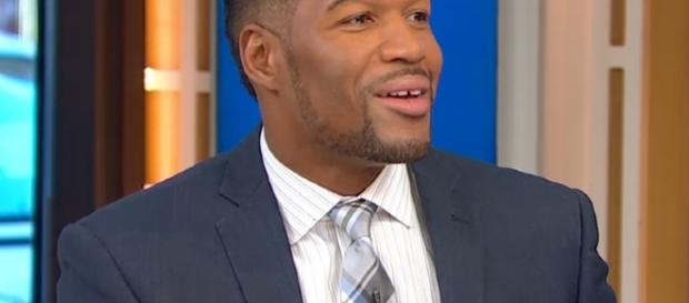Michael Strahan Doesn't Miss Live : People.com - people.com