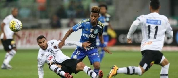 No jogo de ida deu Palmeiras: 3 x 0