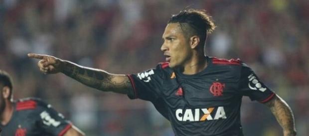 Paolo Guerrero volta a ficar disponível e deve ser titular no Chile