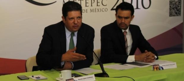 Presidente Municipal David López Cárdenas en compañía del Director de Cultura Rodrigo Benjamín Flores Santin.