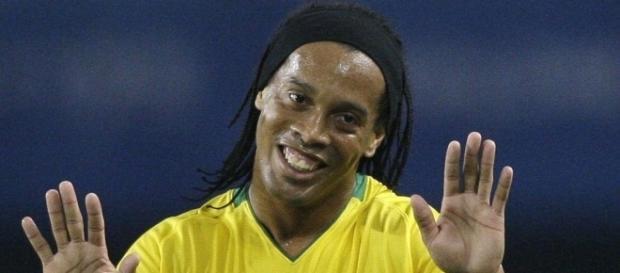 Ronaldinho (em destaque) com a camisa da Seleção Brasileira