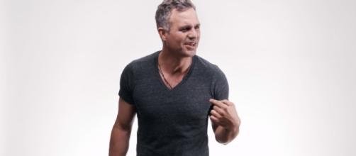 "Mark Ruffalo nudo per ""Save the Day"""