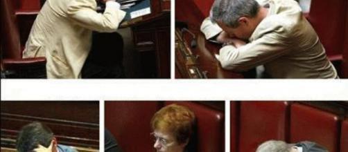 Vietato fotografare i politici, ecco il nuovo regolamento.