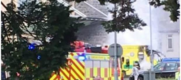 Ambulância explodiu na chegada do hospital.